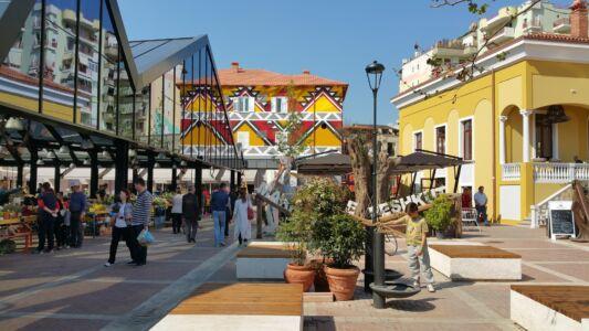 Tirana-Bazaar1-klein